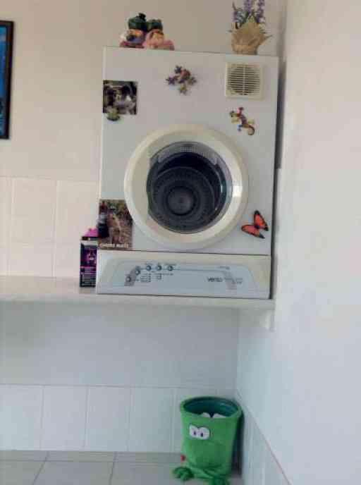 Vicky_home_laundry_01